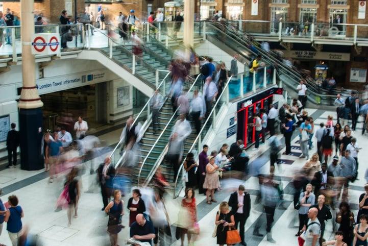 Crowd at London train station. Photo credit: Anna Dziubinska by Unsplash.com