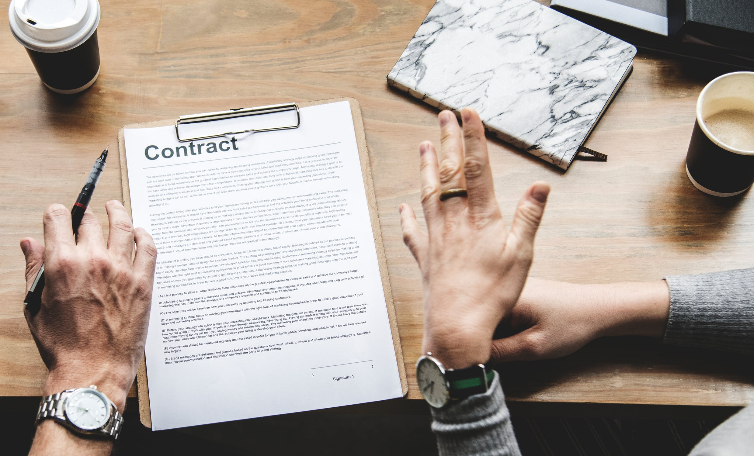 Advice on retainer contracts for HR consultancies
