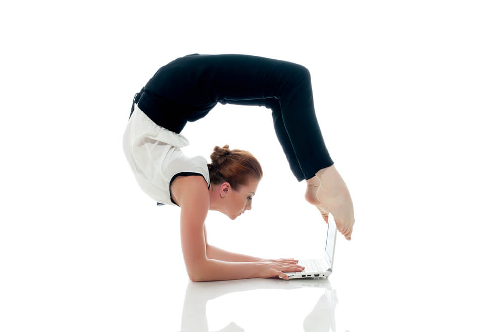 Lady working flexibly on her laptop